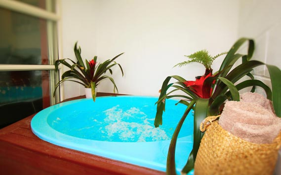 book hotels in New Zealand Rotorua with spa pools