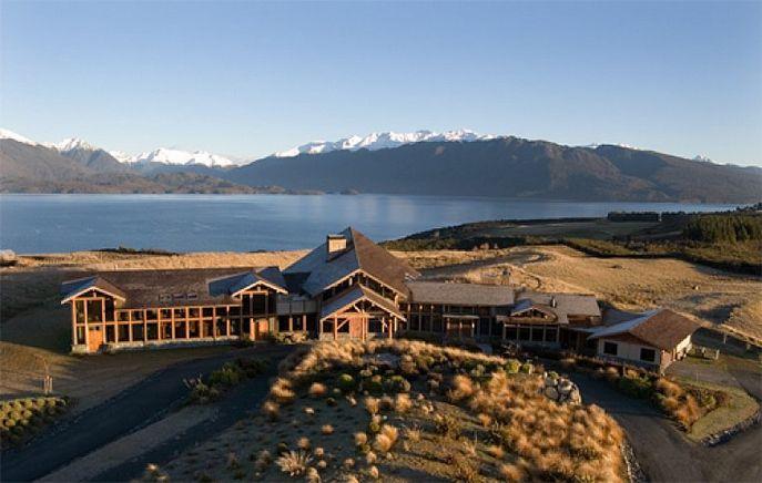Te Anau Hotels In New Zealand Luxury Hotels Fiordland Lodge