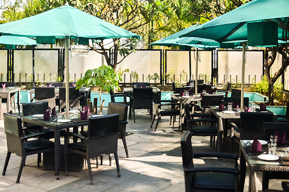 fine dining restaurant in Pimpri Chinchwad, best bars in Pimpri Chinchwad, happy hours in Pimpri Chinchwad, multi cuisine restaurants in Pune, Flavours restaurant at Noorya Hometel, karaoke bar in Pimpri Chinchwad