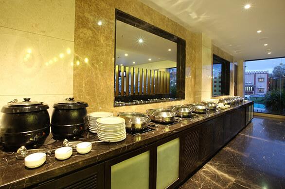 fine dining restaurant in Pimpri chinchwad, best bars in Pimpri chinchwad, happy hours in Pimpri chinchwad, multi cuisine restaurants in Pune, Flavours restaurant at Noorya Hometel, karaoke bar in Pimpri chinchwad