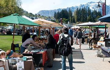 Queenstown's Arts & Craft Market