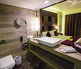 luxury hotels in Juhu, hotels with deluxe rooms in Juhu