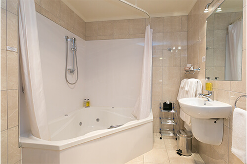 Family Spa & Shower Suite upper level (sleeps 5)