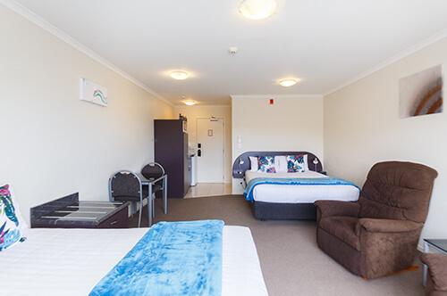 Family Spa & Shower Suite upper level (sleeps 5)