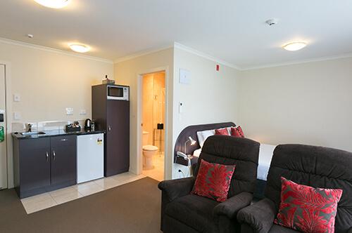 King/Queen Shower studio suite