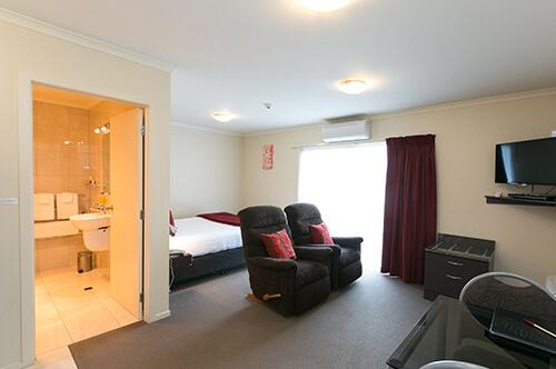 King/Queen Spa studio suite