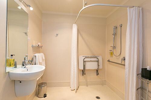 One bedroom spa suite ground floor (sleeps up to 4)