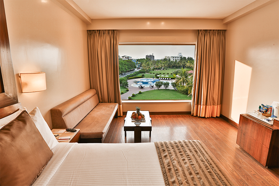 Premier Room, Pool View